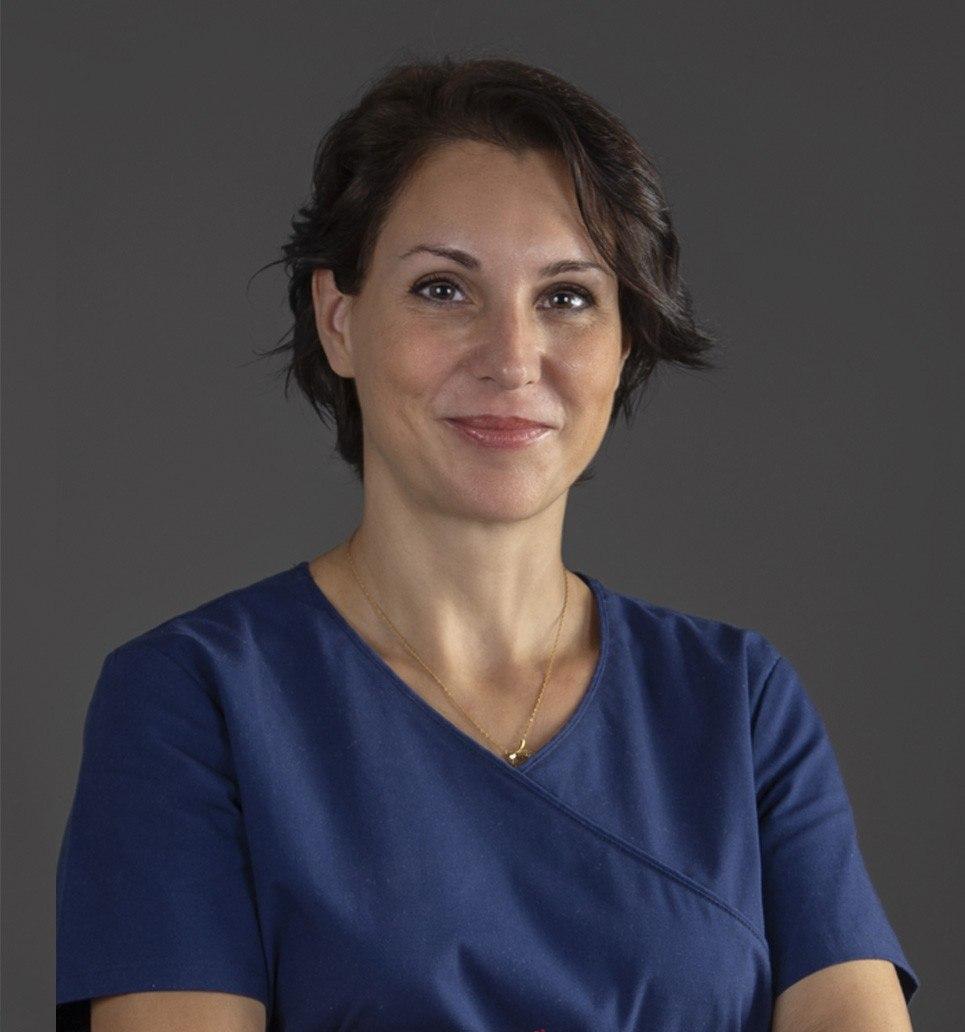 Dra. Susana Collado López Licenciada en Medicina y Cirugía